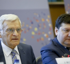 20110411_buzek_speech_027.jpg